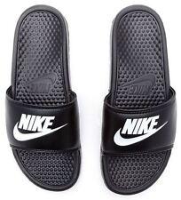 Sandali e scarpe nere Nike per il mare da uomo