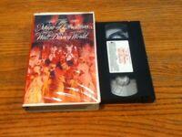 THE MAGIC OF CHRISTMAS AT WALT DISNEY WORLD    VHS VIDEOTAPE