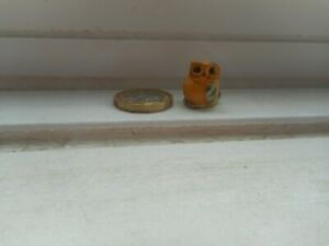 OWL - POTTERY - CUTE AND COLLECTABLE  - TINY MINIATURE ROUND PLUMP YELLOW & GOLD