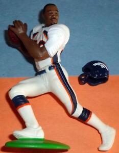 2000 TERRELL DAVIS Quarterback Club Denver Broncos Starting Lineup