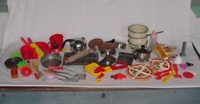VINTAGE KITCHEN TOY LOT OVER 50 PCS POTS PANS FOOD BAKING DISHES & MORE