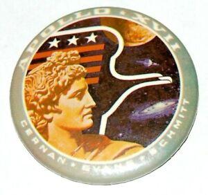 1972 Apollo 17 Saturn V NASA Button pin pinback space moon Cernan Evans Schmitt