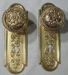 ANTIQUE PAIR SOLID CAST BRASS/BRONZE DOOR BACK PLATES & KNOBS VICTORIAN DESIGN