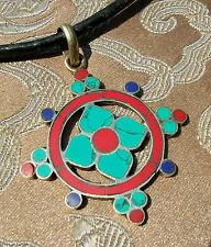 Schönes SILBER Amulett WHEEL OF DHARMA Nepal mit Koralle Lapislazuli Türkis