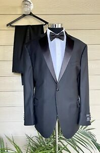 Jos A Bank Signature Tuxedo 2-Piece Superfine Wool Traditional Fit 48R I 43W
