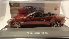 Maserati GranCabrio Sport Rouge fonçé métal. 1/43 WhiteBox. WBS031.