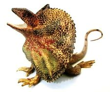 Science & Nature 78001 Frilled Lizard Animals of Australia Toy Figurine - NIP