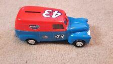 Ertl Richard Petty 1950 Chevrolet Panel Truck Bank 1/25