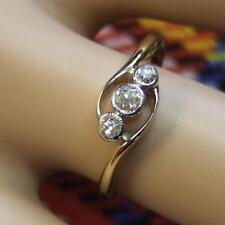 18 ct GOLD second hand antique three stone cross over diamond ring