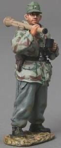 THOMAS GUNN WW2 GERMAN SS050A GRENADIER STANDING WITH PANZERFAUST MIB