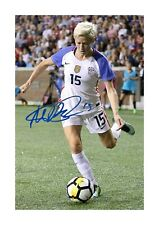 More details for megan rapinoe 1 a4 reproduction autograph photograph poster with choice of frame