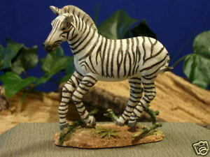 Country Artists Endangered Species Mountain Zebra Figurine 04945 CA04945 New