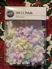 New listing Wilton Silk Flower Petals 300 Count 1006-953