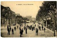 CPA 84 Vaucluse Avignon place de l' Hôtel-de-Ville animé