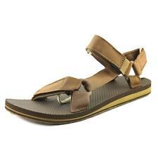 Sandali e scarpe Teva per il mare da uomo dal Vietnam
