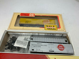 HO Red Caboose Swift Silver Meat Reefer, Trains Mini Oscar Mayer Reefer IC084