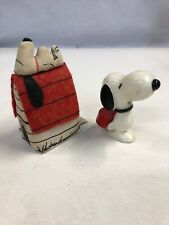 Vintage 1960s Peanuts Plastic Snoopy Dog House Collectibles N7