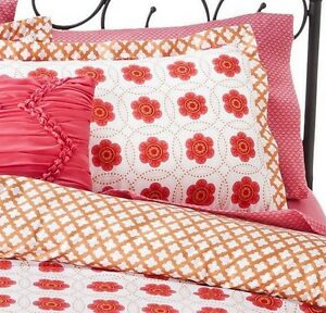 8 Pc. Xhilaration Medallion Floral Bed in a Bag - Pink - Queen
