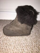 Gorgeous Baby Uggs Boots Serial no 1979 First Sz 3-6 Months Dark Brown Chocolate