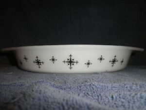 Vintage Atomic Pyrex Divided Baking Dish Black Compass Design