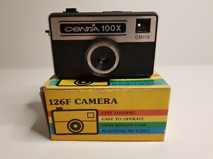 126 Vintage Film Camera Point & Shoot Boxed - BN C4