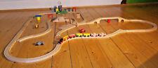 Holzeisenbahn riesige Sammlung Eichorn Lokomotive mit Anhänger sowie Autos