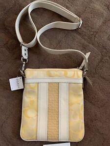 COACH Hampton YELLOW  SwingPack Handbag $158 F42431 Purse