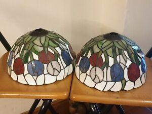 2 x TIFFANY ART DECO STYLE COLOURED GLASS TABLE LAMP SHADES VGC