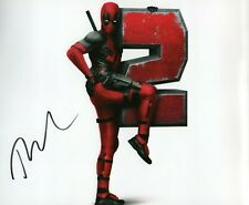 Autographed Ryan Reynolds signed 8 x 10 photo Nice