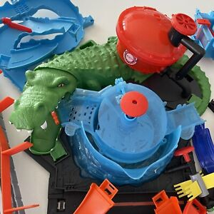 HOT WHEELS TRACK Ultimate Gator Carwash SPARES Car Track Playset INCOMPLETE