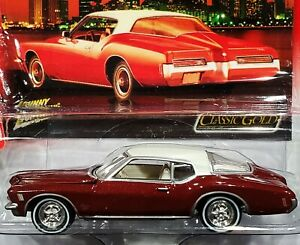 Johnny Lightning 71 1971 Buick Riviera Classic Gold Detailed Car w/RRs Burgundy