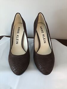 Anne Klein Lolana heels Size 7.5 brown Leather From Von Maur
