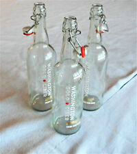 Empty 750 ml bottles with swing top stopper, 3 pieces.