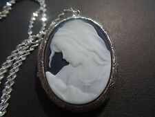 (CAMEO LOCKET) MOTHER AND CHILD.VIRGIN MARY AND BABY JESUS CAMEO-HIGH QUALITY