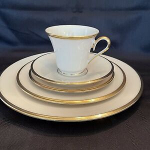 LENOX 'ETERNAL' DINNERWARE - THE DIMENSION COLLECTION - 5 PIECE PLACE SETTING