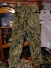 AOR2 NWU WOODLAND Maternity  PANT NWU Navy  SMALL REGULAR MR W/ NAVY ACE