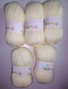 Job Lot James C Brett Baby 4 Ply Knitting Yarn, 500g, Cream **FREE POSTAGE**