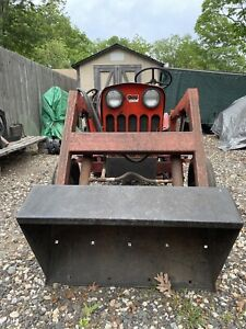 1973 Power King Tractor 1614 with Bucket