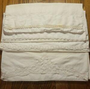 Lot of 4 Ecru Vintage Pillowcases. Standard. Cotton, muslin, linen. Very soft