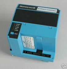 HONEYWELL BURNER CONTROL RM7885A 1015 MANUAL START NIB