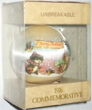 Hallmark 1976 Vintage Satin Ball Ornament (Merry Christmas Happy New Year)