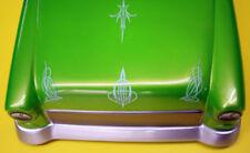 Colle , vernici e prodotti bianchi per la finitura di modellini radiocomandati