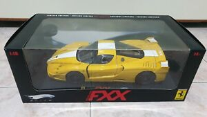 Ferrari FXX 1/18 Hotwheels Elite Yellow