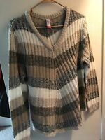 No Boundaries Vneck Chevron Sweater, XL