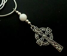 A LOVELY TIBETAN SILVER CELTIC CROSS & WHITE JADE BEAD NECKLACE. NEW.