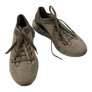 Reebok Zig Kinetica size 9.5 Running Shoes Gray. EH1721.