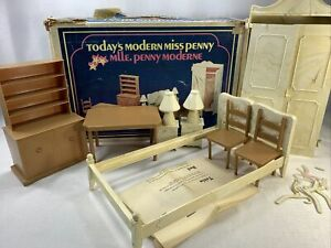 """Dollhouse Furniture Plastoy Today's modern miss Penny Canada 10-12"""" Size Box As"""