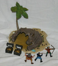PAPO 2004  PIRATE TREASURE ISLAND PALM TREE SKULL SAND ROCK PLAYSET FIGURES LOT