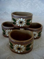 Set of 4 Unusual Hand Painted White & Green Daisy/Daisies Pottery Napkin Rings