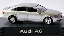 Audi A6 Type 4F Limousine 2004-08 in PC-Vitrine Display-Box argent clair 1:87